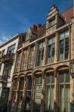 修造的商店门面和蓝天在跟特的市中心 免版税库存照片