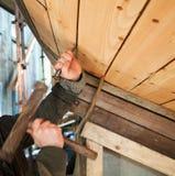 修造的木小船 免版税库存图片