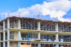 修造的高站点工作场所工作建筑 免版税库存照片