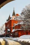 修造红砖俄罗斯中央银行在一个冬日 俄罗斯,奥廖尔州  免版税图库摄影