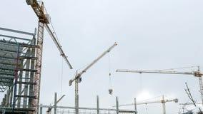 修造4k的建筑用起重机运作的塔 影视素材