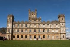 修道院作为城堡downton以的highclere为特色 免版税库存图片