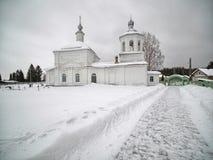 修道院冬天视图  图库摄影