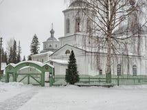 修道院冬天视图  免版税图库摄影