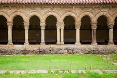 修道院在海边的散提亚拿,西班牙 库存图片