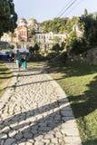 修道院复合体的看法从罪人道路的  免版税库存照片