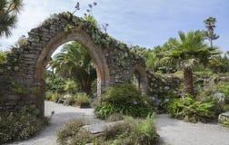 修道院庭院, Tresco,锡利群岛,英国 免版税库存照片