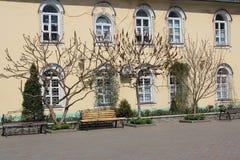 修道院庭院 免版税图库摄影
