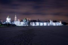 修道院晚上novodevichiy风景 免版税库存图片