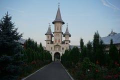 修道院有三个塔的奥拉迪亚罗马尼亚 图库摄影