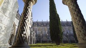 修道院树和塔  股票录像