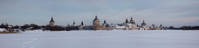 修道院正统全景俄国冬天 免版税库存照片
