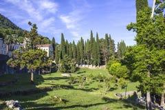 修道院的公园 库存图片