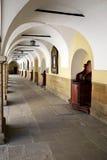 修道院的庭院在Kalwaria Zebrzydowska 免版税库存图片