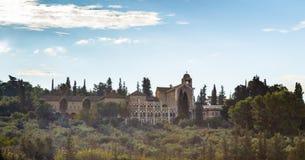 修道院的看法沈默- Latrun清早 它在1890年建立了 大厦在1927年被修建了 免版税库存照片