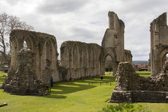 修道院glastonbury废墟 免版税库存图片