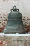 从修道院Goritsky的钟楼的响铃 免版税库存图片
