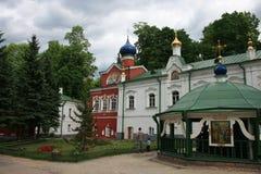 修道院pechersky pskovo 俄国 库存照片