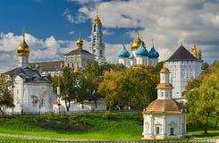 修道院posad俄国sergiev sergius st三位一体 库存图片