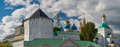修道院posad俄国sergiev sergius st三位一体 免版税库存照片