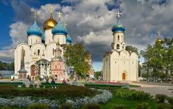 修道院posad俄国sergiev sergius st三位一体 图库摄影