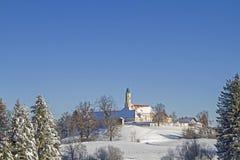 修道院Reutberg在冬天 库存图片