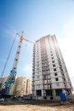 修建一个多层的大厦的过程 免版税库存照片