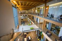 修建俄勒冈大学校园的EMU 图库摄影