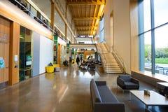 修建俄勒冈大学校园的EMU 库存照片