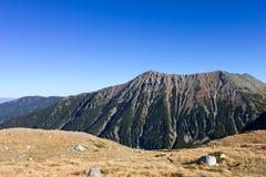 俯视在山的一个美好的峰顶 库存图片
