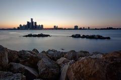 俯视底特律,密执安的河地平线  免版税库存照片