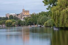 俯视泰晤士河,英国的温莎堡 免版税库存图片