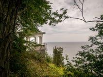 俯视海的观察平台 库存照片