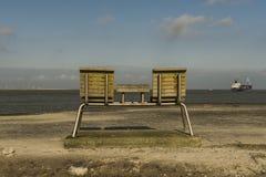 俯视海,长凳 免版税库存图片