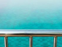 俯视游泳池 图库摄影