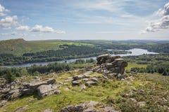俯视湖的突岩 库存图片