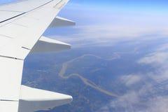 俯视的中国山和河云彩的 免版税库存照片