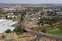 俯视的市Prineville在俄勒冈 库存照片