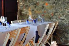 俯视风景地中海海湾的Manarola餐馆 免版税库存照片