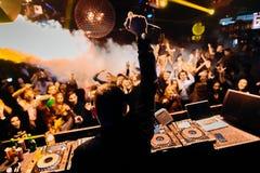 俱乐部的DJ 库存照片