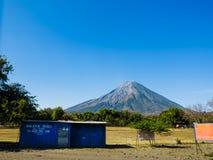 俱乐部迪斯科英尺晚上火山 免版税图库摄影