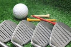 俱乐部高尔夫球集 图库摄影