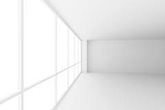 倒空与大窗口的白色营业所室角落 免版税库存图片