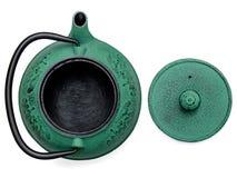 倒空中国茶壶和盒盖在白色背景,顶视图 库存照片