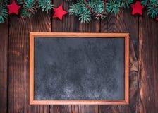 倒空在委员会棕色背景的木制框架  库存照片