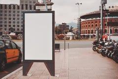 倒空您的广告的假装横幅 库存图片