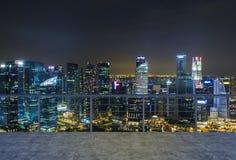 倒空现代大阳台区域,平衡纽约视图 财务豪华世界的概念 免版税库存照片