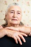 翻倒老人妇女画象  健康s妇女 免版税库存照片