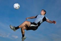 倒钩球球员足球 免版税图库摄影