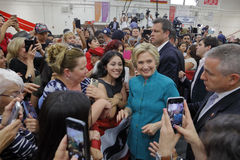 总统候选人希拉里・克林顿竞选在Oxnard,加州a 库存图片